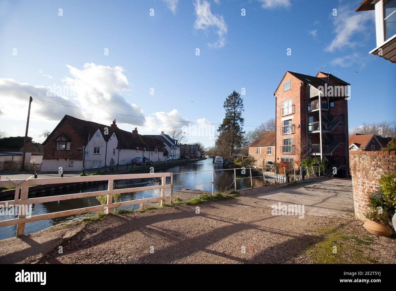 Views of the canal by the lock in Newbury, Berkshire in the UK, taken on the 19th November 2020 Stock Photo