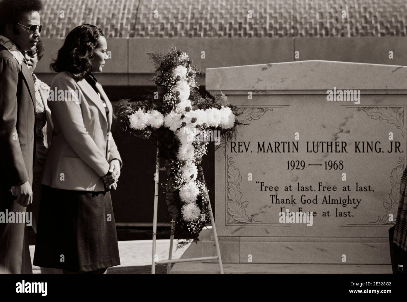 Coretta Scott King, widow of slain civil rights leader Dr. Martin Luther King, Jr., at the tomb of her husband at the King Center in Atlanta, GA. Stock Photo