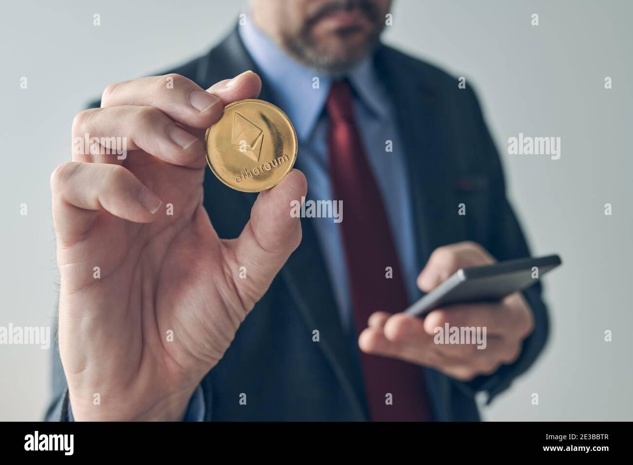 come investire in bitcoin senza