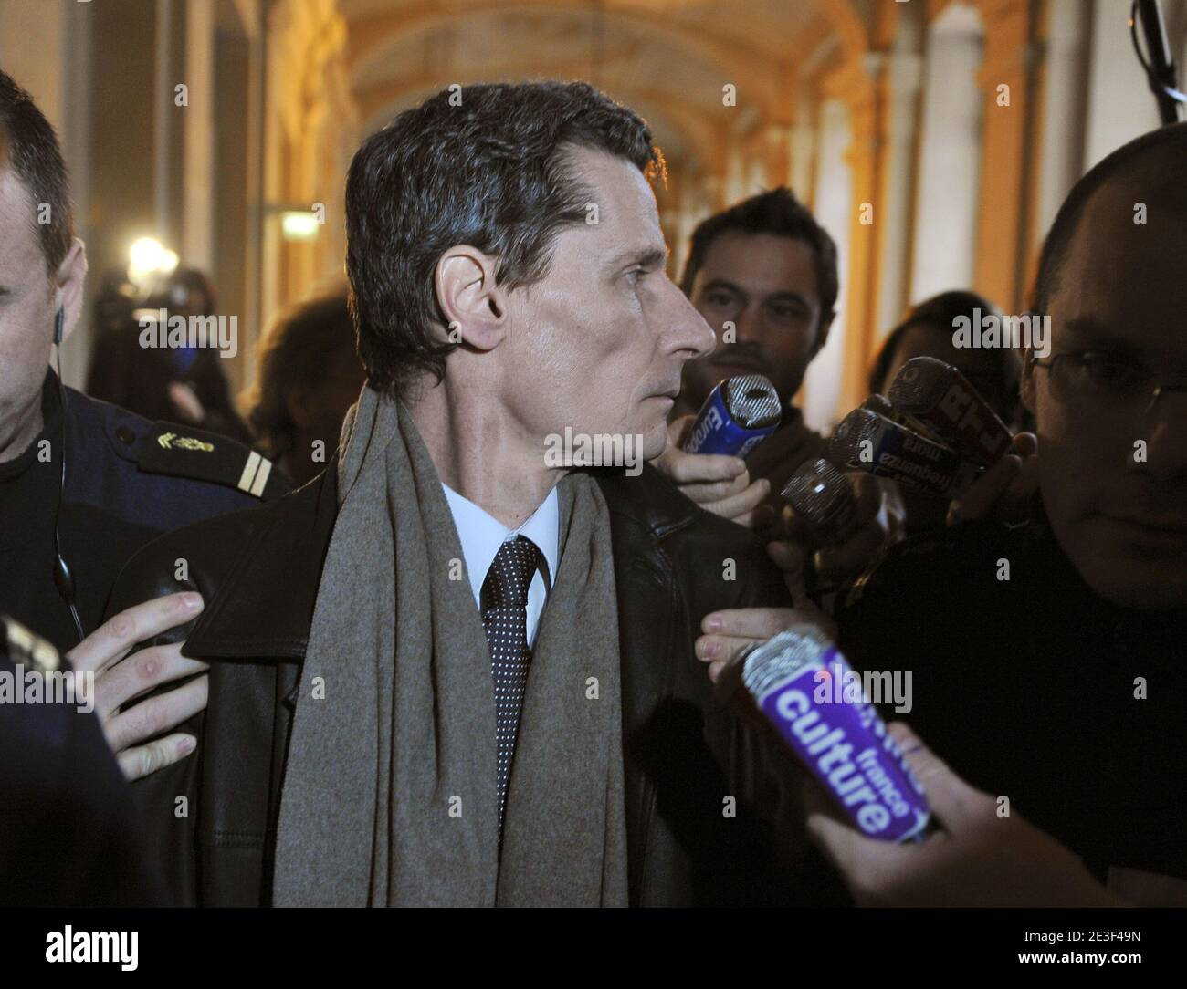 Witness and French police officer Didier Vinolas speaks to the press when he leaves the Paris courthouse after being heard during the trial of Yvan Colonna in Paris, France, on February 17, 2009 tried for the assassination of Corsica's prefect Claude Erignac in 1998. The appeal process is calling for a new investigation following the release of fresh information from Vinolas. Photo by Mousse/ABACAPRESS.COM Stock Photo