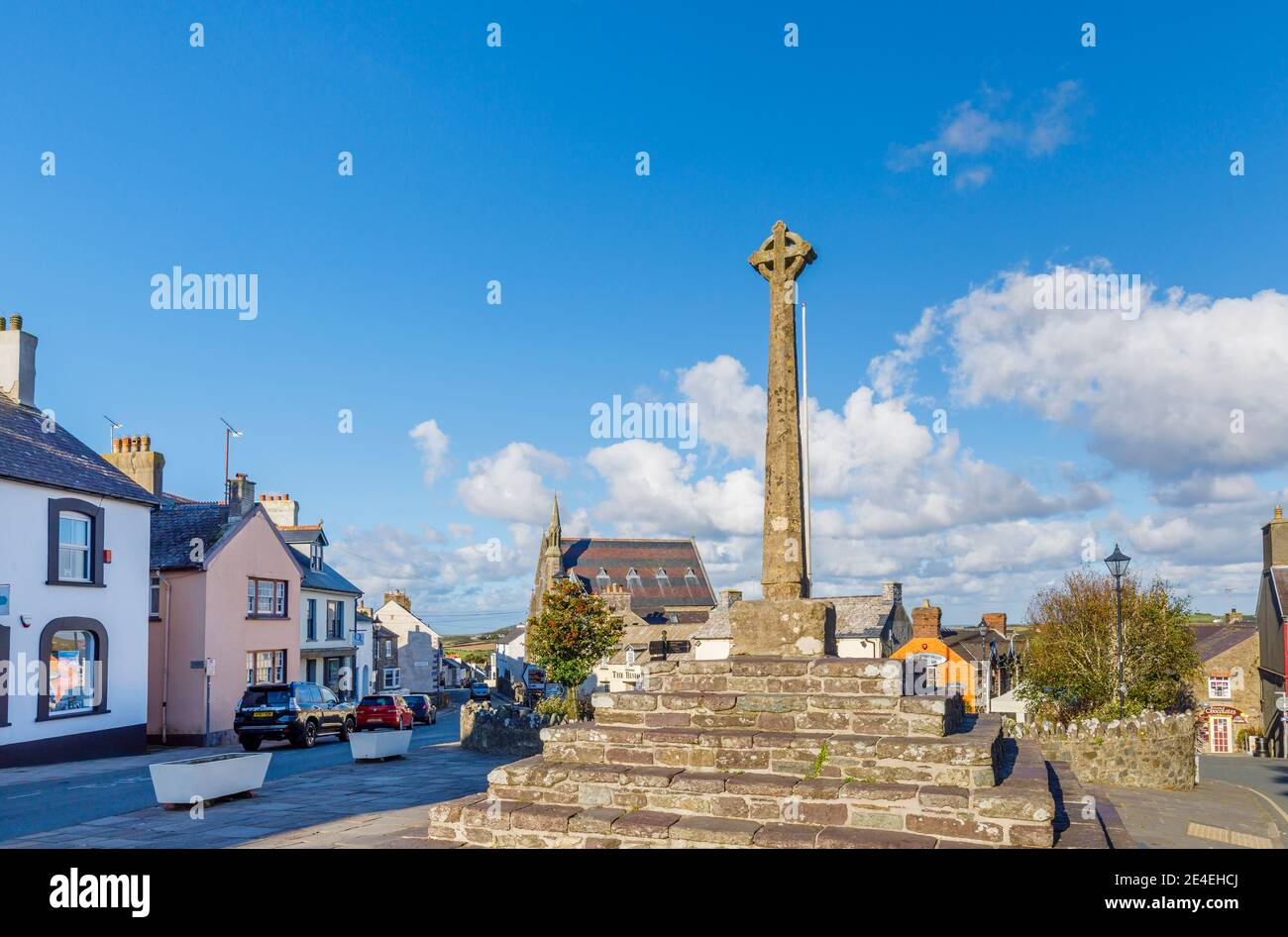 The war memorial in Cross Square in the centre of St Davids, a small cathedral city in Pembrokeshire, south west Wales Stock Photo