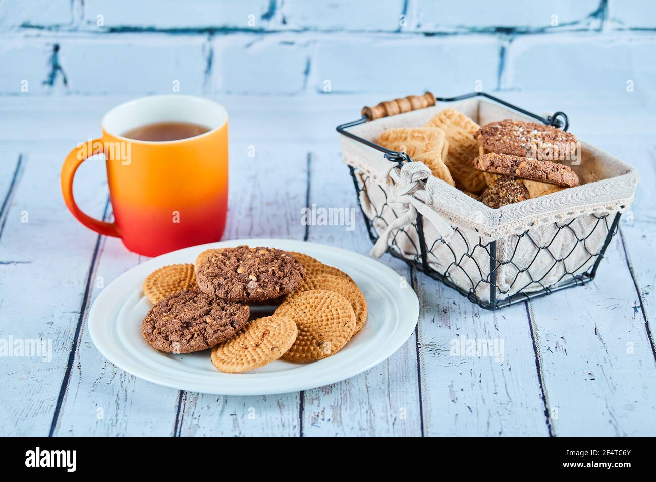 Trinkets. Biscuits Artistic for Serving Tapis Abstract DishPlate Chocolates