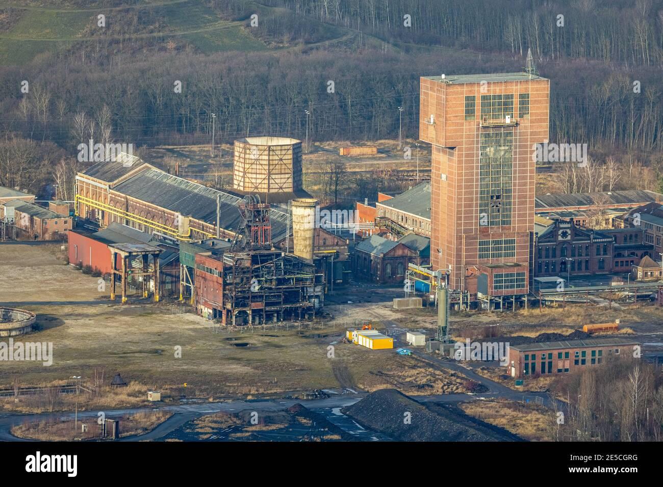 Luftbild mit Hammerkopfturm im Bergwerk Ost Zeche Heinrich Robert, CreativRevier in Wiescherhöfen, Hamm, Ruhrgebiet, Nordrhein-Westfalen, Deutschland, Stock Photo