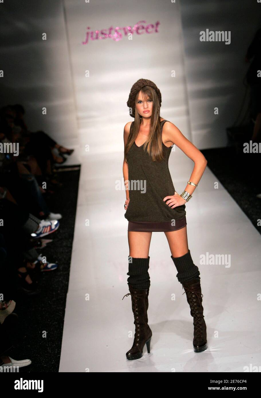 A model presents a creation from the Justsweet collection by Jennifer Lopez during Fashion Week in Miami Beach, Florida, March 23, 2006. Photo taken March 23, 2007.   REUTERS/Carlos Barria (UNITED STATES) Stock Photo