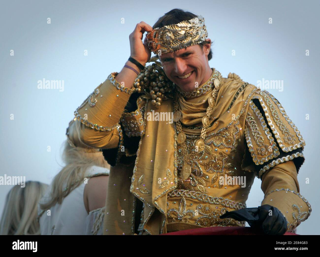 New Orleans Saints' quarterback Drew Brees, dressed as King of Bacchus, looks over the crowd during the Bacchus Mardi Gras parade in New Orleans, Louisiana February 14, 2010. REUTERS/Lee Celano (UNITED STATES - Tags: SPORT FOOTBALL SOCIETY) Stock Photo
