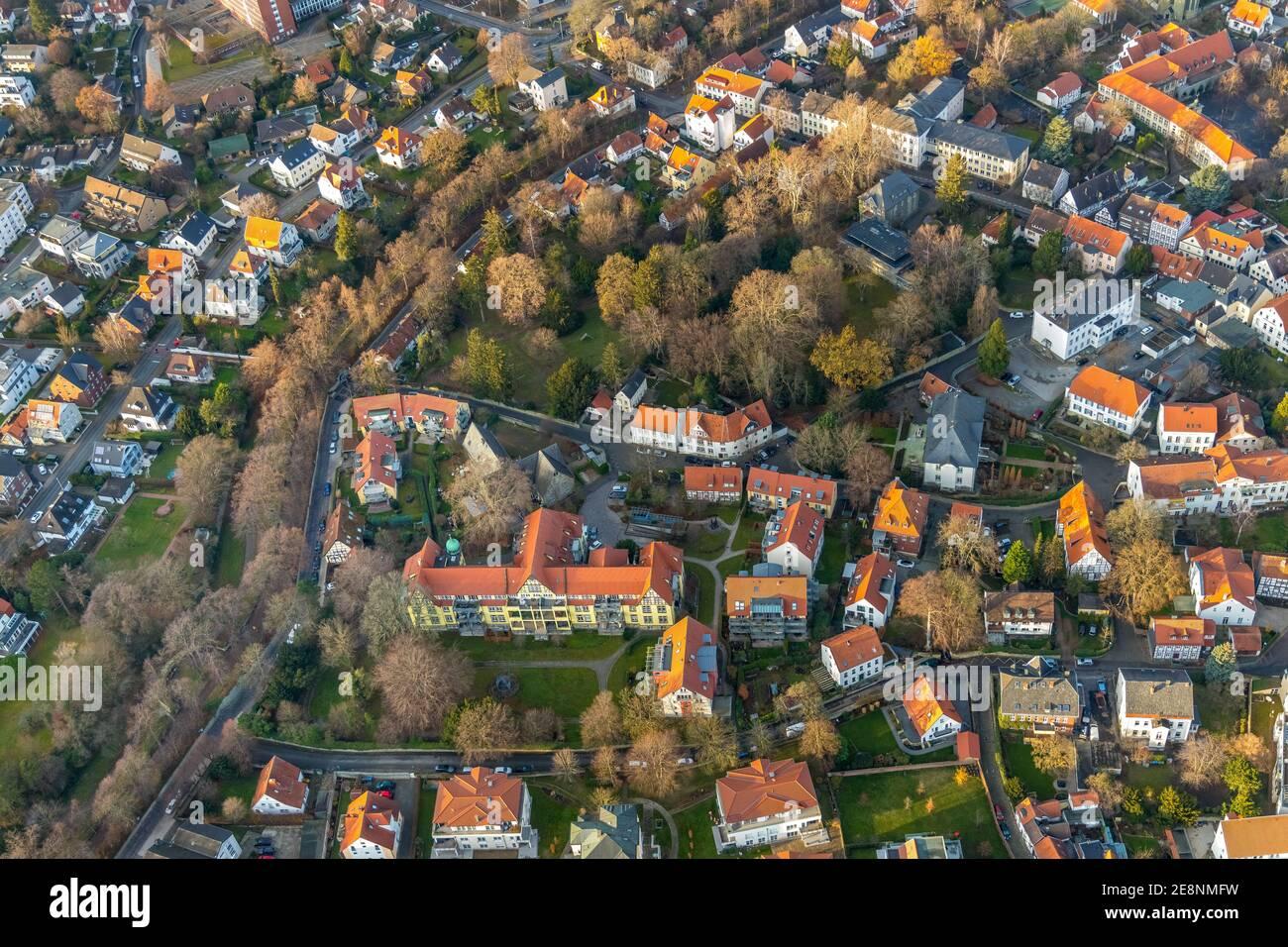 Luftbild, Bergenthalpark, Spital Physio, Soest, Soester Börde, Nordrhein-Westfalen, Deutschland, DE, Daelengasse, Europa, Gesundheitswesen, Grünanlage Stock Photo