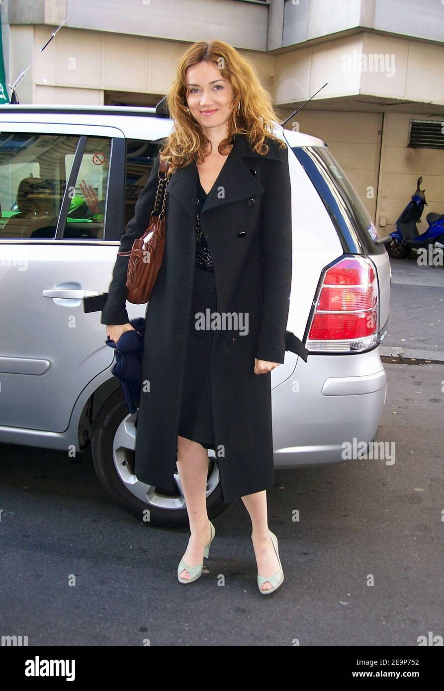 EXCLUSIVE. French actress Marine Delterme poses while leaving 'Fun Radio' radio station in Paris, France on November 10, 2006. Photo by Denis Guignebourg/ABACAPRESS.COM Stock Photo