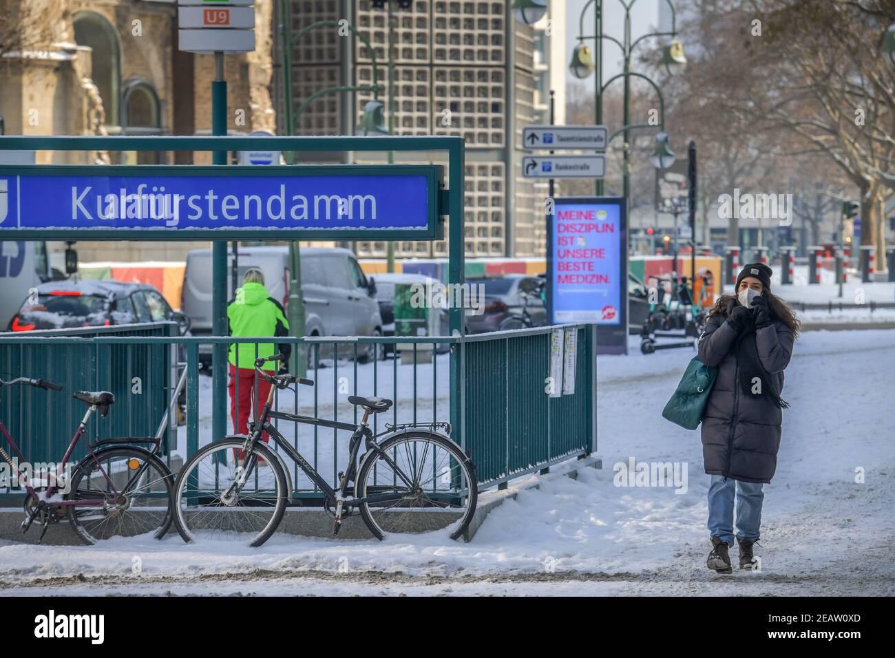10.02.2021. Menschenleerer Kudamm Lockdown zu Corona-Zeiten, Charlottenburg, Berlin, Deutschland Stock Photo