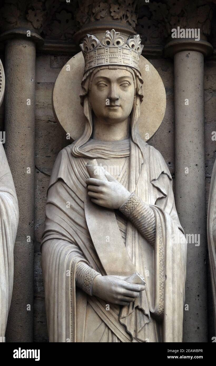 Queen, Portal of St. Anne, Notre Dame Cathedral, Paris, UNESCO World Heritage Site in Paris, France Stock Photo