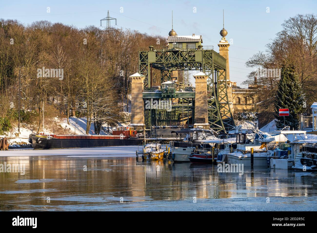 Das alte Schiffshebewerk Henrichenburg am Dortmund-Ems-Kanal in Waltrop, Nordrhein-Westfalen, Deutschland, Europa | Historic Henrichenburg boat lift i Stock Photo