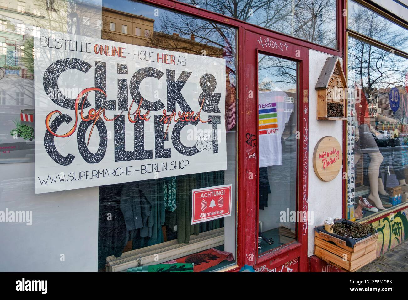 Lockdown Januar 2021, Click & Collect, Abholung im Laden , Fair fashion,  Supermarche, Wienerstrasse, Kreuzberg, Berlin Stock Photo