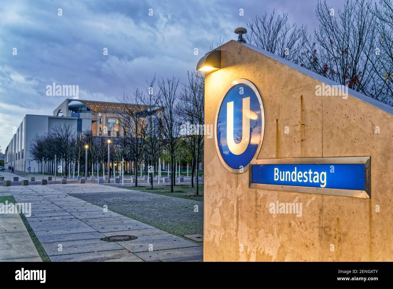 Berlin U Bahnhof Bundestag, Kanzleramt, Regierungsviertel,  Berlin-Mitte, Deutschland, Stock Photo