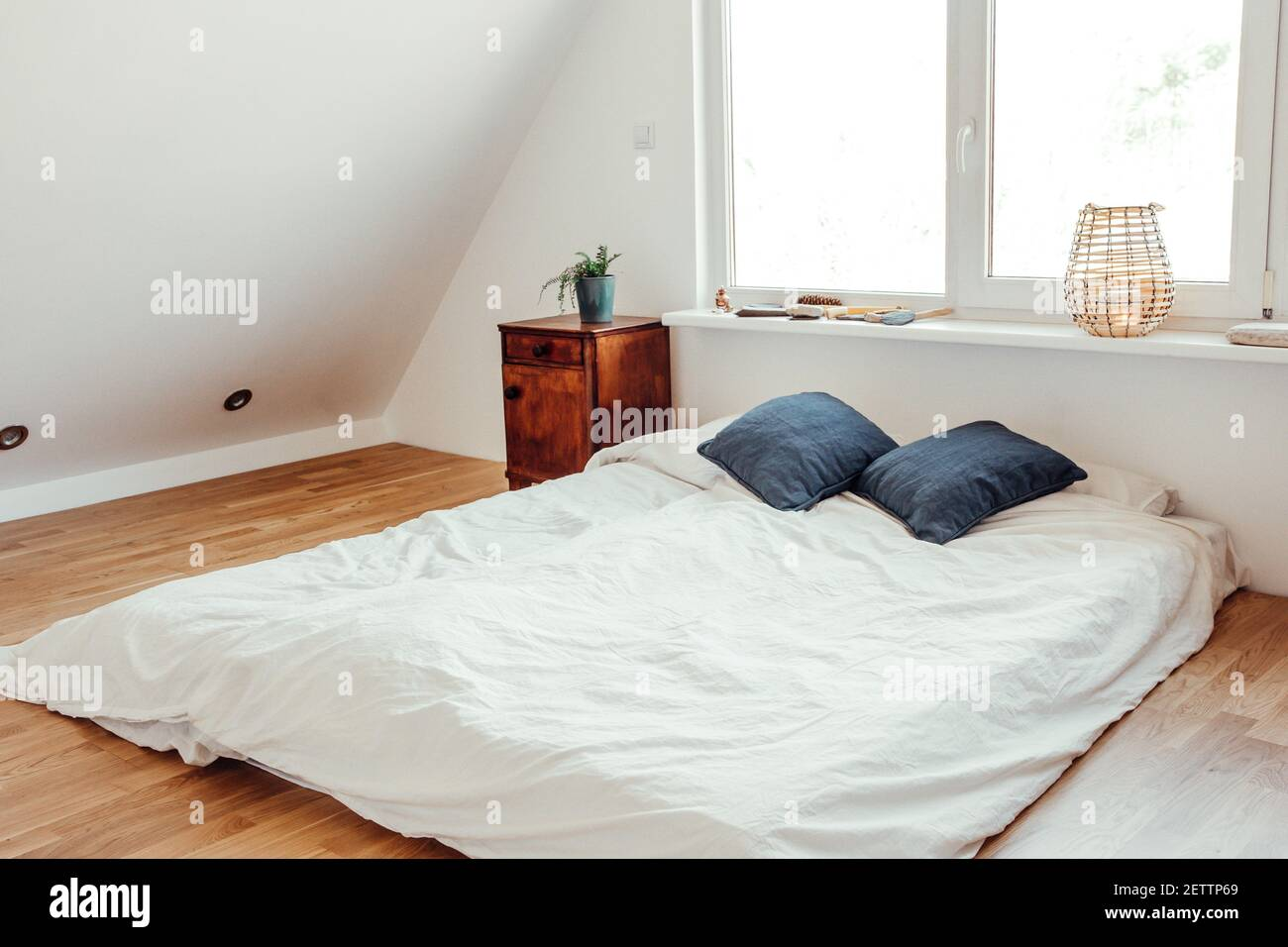 Mattress On Floor High Resolution Stock Photography And Images Alamy