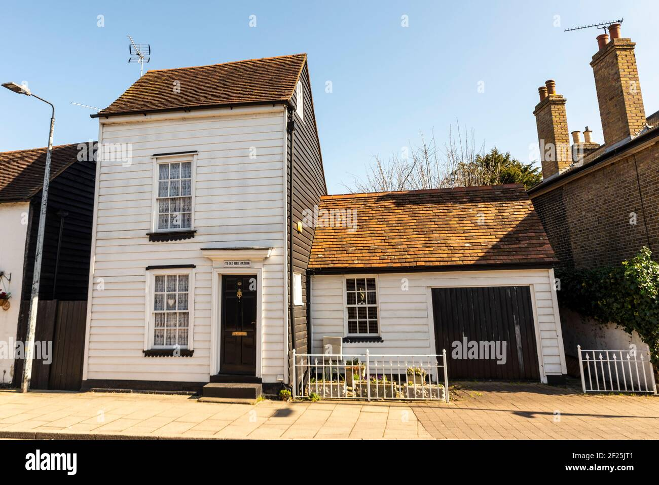 Ye Old Fire Station in North Road, Rochford, Essex, UK. C18 with later alterations. Timber framed and weatherboarded. Grade II listed building Stock Photo