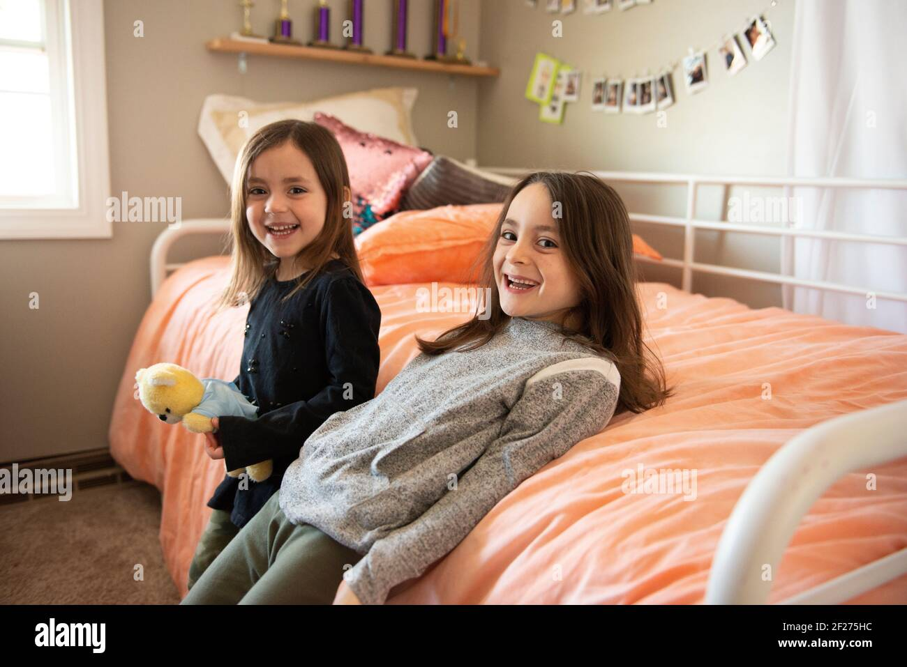 Two Beds Girls Bedroom High Resolution Stock Photography And Images Alamy