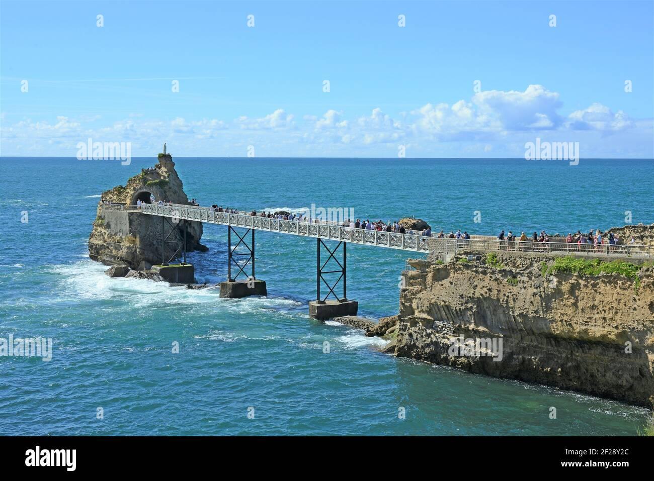 Virgin Rock (Rocher de la Verge), Biarritz (Miarritze), Pyrénées-Atlantiques, Nouvelle-Aquitaine, France Stock Photo
