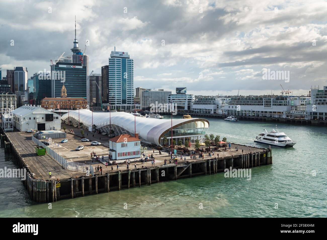 Queen S Wharf Auckland New Zealand With The City Skyline Behind On The Wharf Is The Cloud A Uniquely Shaped Events Venue Stock Photo Alamy New zealand city buildings sea clouds