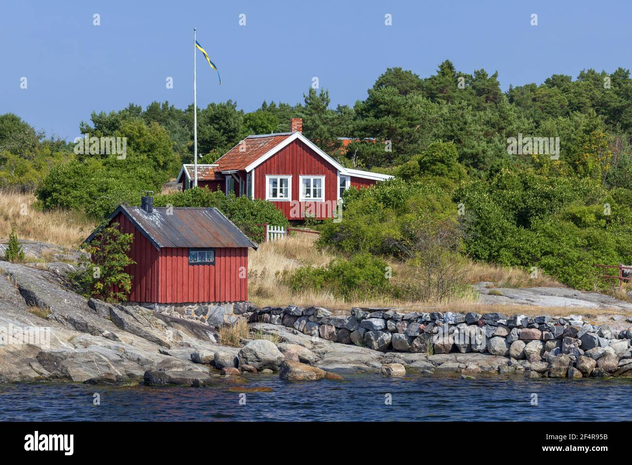 geography / travel, Sweden, Stockholm laen, Stockholm skårgården, house in mount on the isle Moeja in , Additional-Rights-Clearance-Info-Not-Available Stock Photo