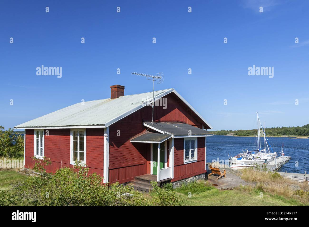 geography / travel, Sweden, Stockholm laen, Stockholm skaergård, summer holiday house at marina on the, Additional-Rights-Clearance-Info-Not-Available Stock Photo