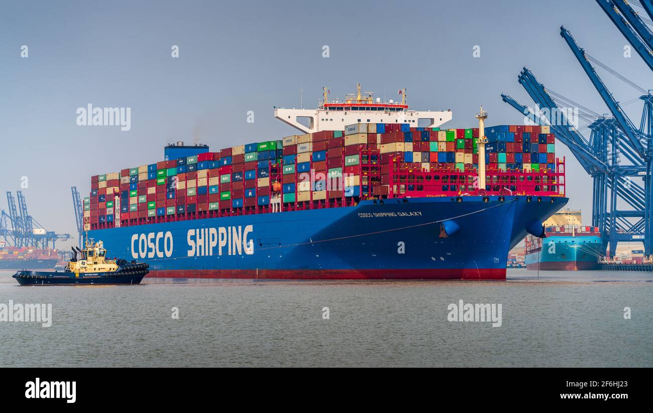 Global Britain Trade - Cosco Galaxy Ultra Large Container Ship ULCS being docked in Felixstowe Port UK. Cosco Shipping Galaxy built 2019, length 400m. Stock Photo