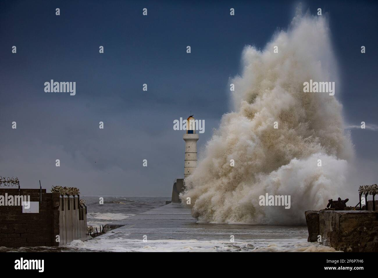 Stormy seas, Aberdeen south breakwater Stock Photo