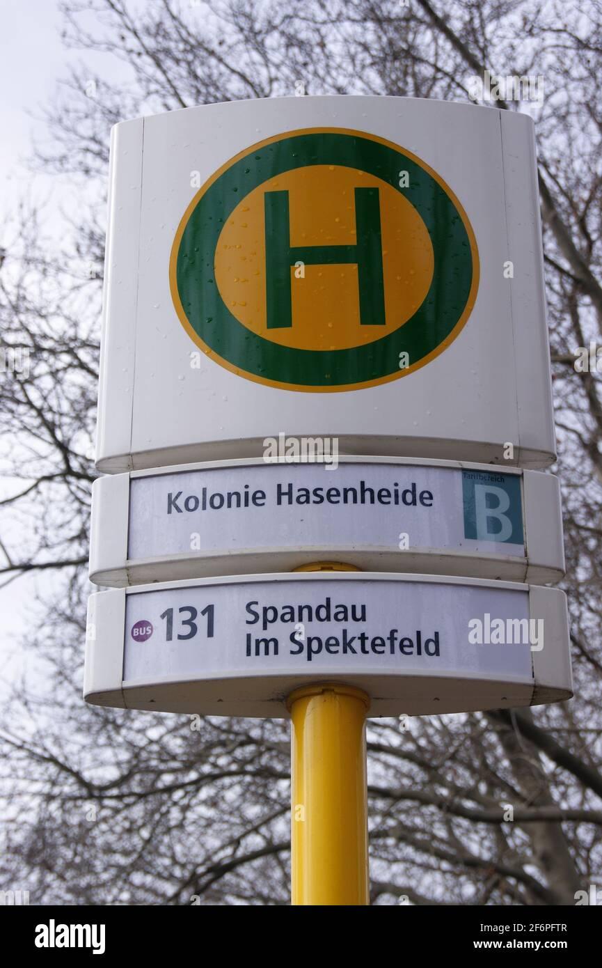 BVG-Haltestelle Kolonie Hasenheide in Berlin-Spandau Stock Photo