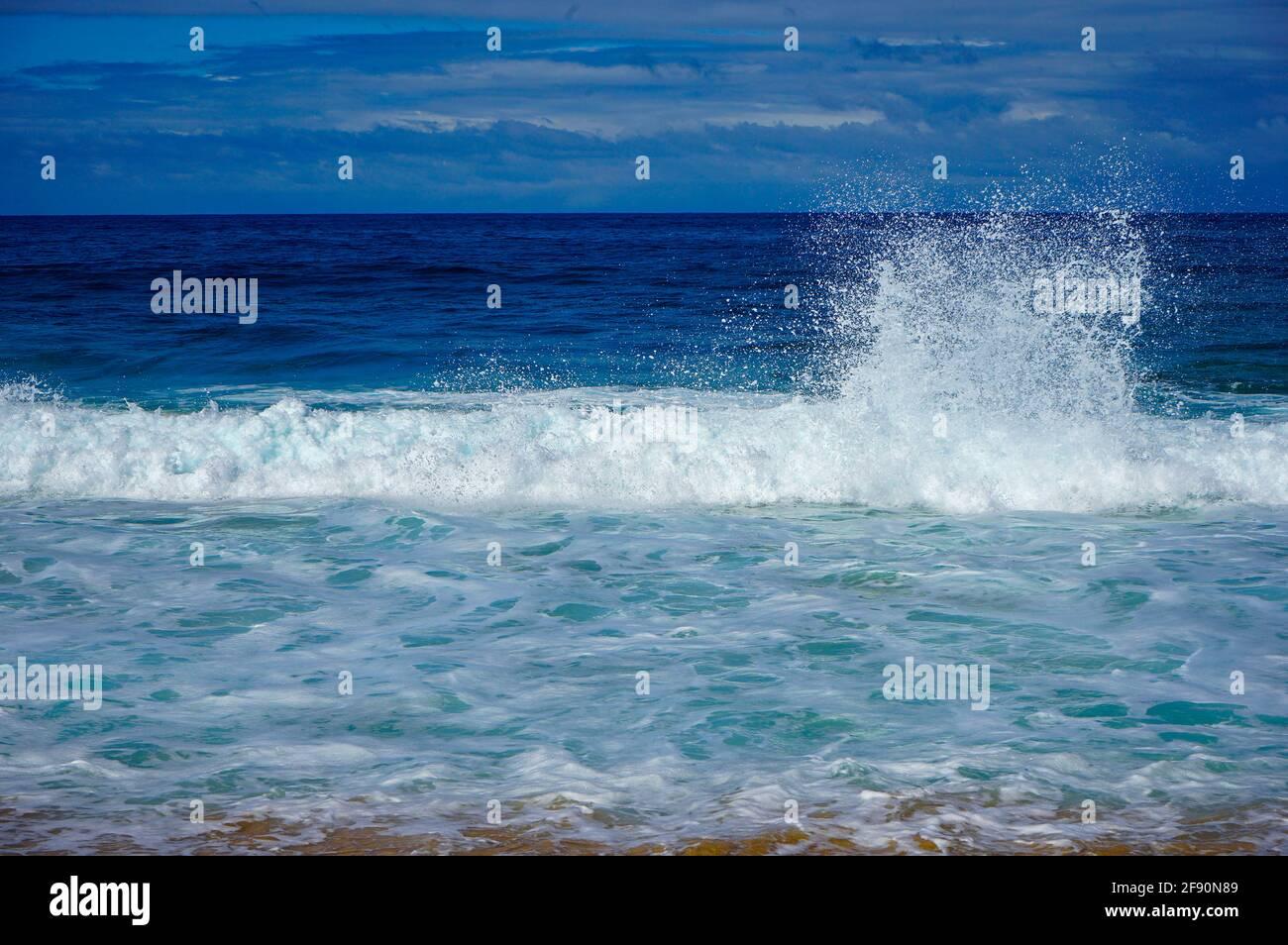 Waves crashing along Sunset Beach, Pupukea, North Shore, Oahu, Hawaii, USA Stock Photo