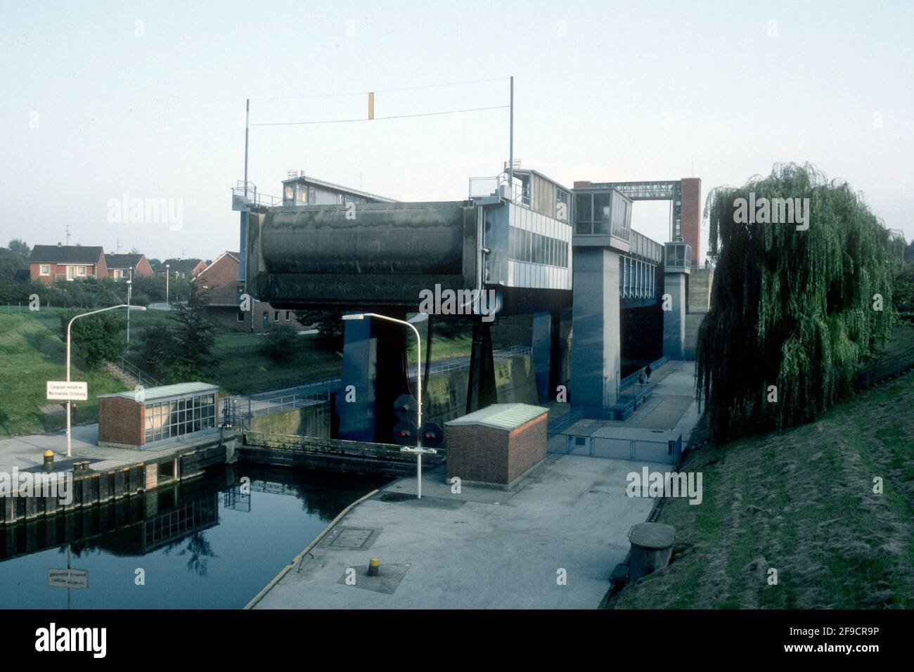 The new boat lift (built 1962) in 1980, now closed and part of the Westphalian State Museum of Industrial Heritage, Henrichenburg, North Rhine-Westphalia, Germany Stock Photo