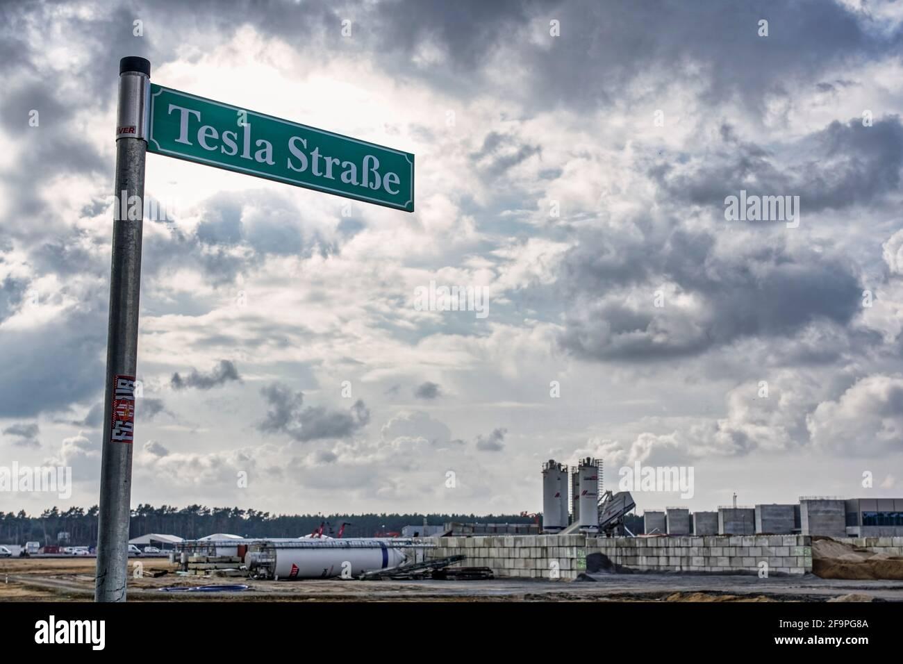 Tesla Gigafactory Grünheide, Brandenburg, Tesla Straße, Schild, Baustelle, Mark Brandenburg, Berlin , Deutschland, Europa Stock Photo