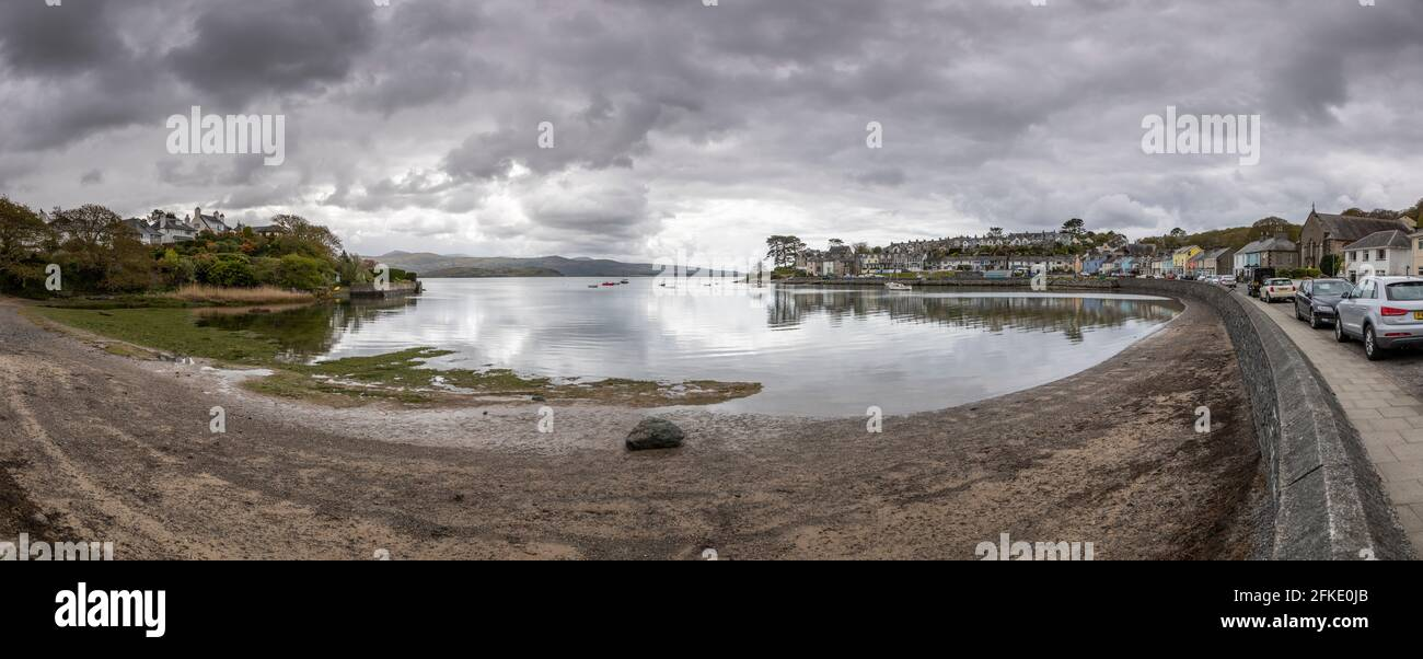 The seaside village of Borth-y-Gest on the welsh coast Stock Photo