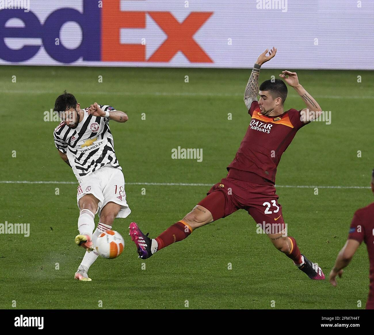 Rome, Italy. 6th May, 2021. Manchester United's Bruno Fernandes (L) vies with Roma's Gianluca Mancini during the UEFA Europa League semifinal second leg football match between Roma and Manchester United in Rome, Italy, May 6, 2021. Credit: Augusto Casasoli/Xinhua/Alamy Live News Stock Photo