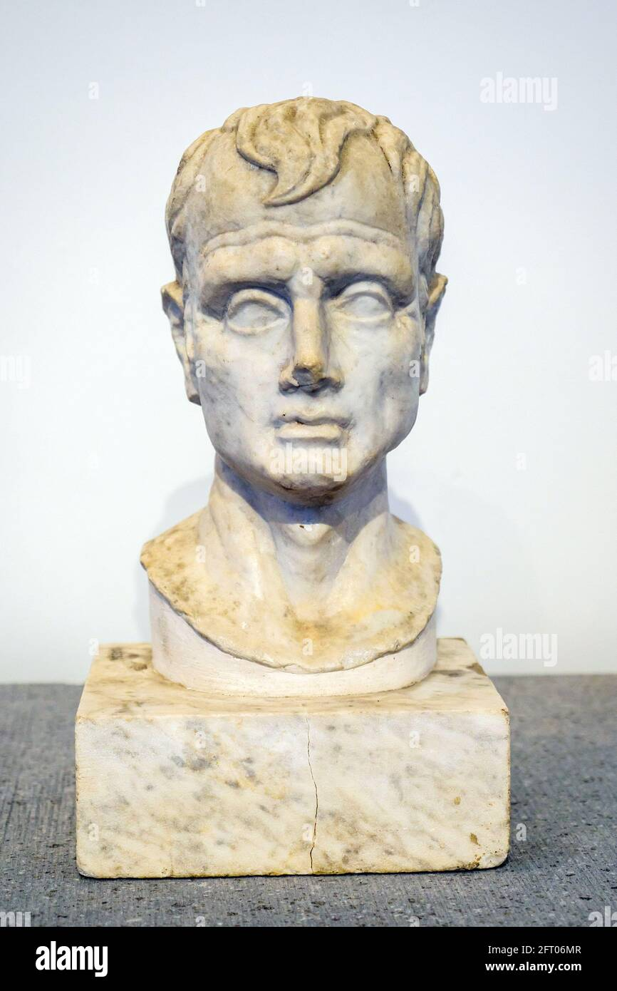 Bust of a man - I sec BC Casa degli Amorini dorati (House of the Gilded cupids) Marble Pompeii archaeological site, Italy Stock Photo