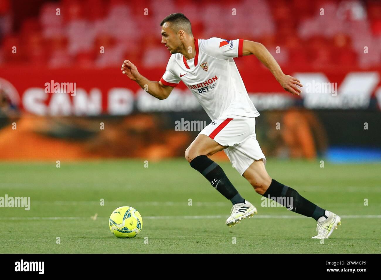 Joan Jordan Of Sevilla Fc During The La Liga Match Between Sevilla Fc V Deportivo Alaves