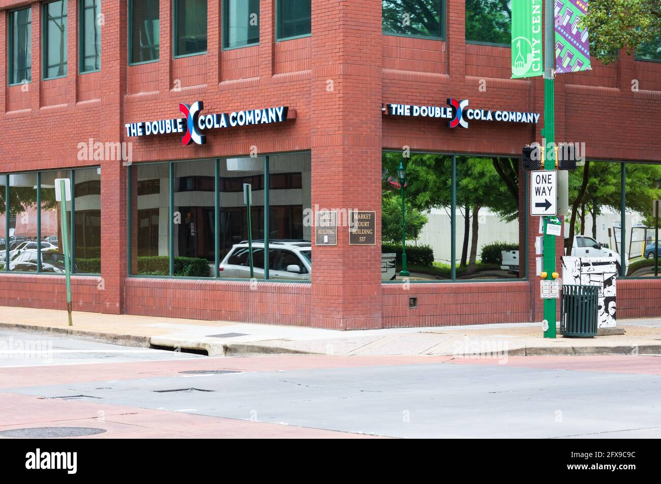 CHATTANOOGA, TN, USA-10 MAY 2021: Tight view of the Market Court Building showing the sign and logo of TheDouble Cola Company. Stock Photo