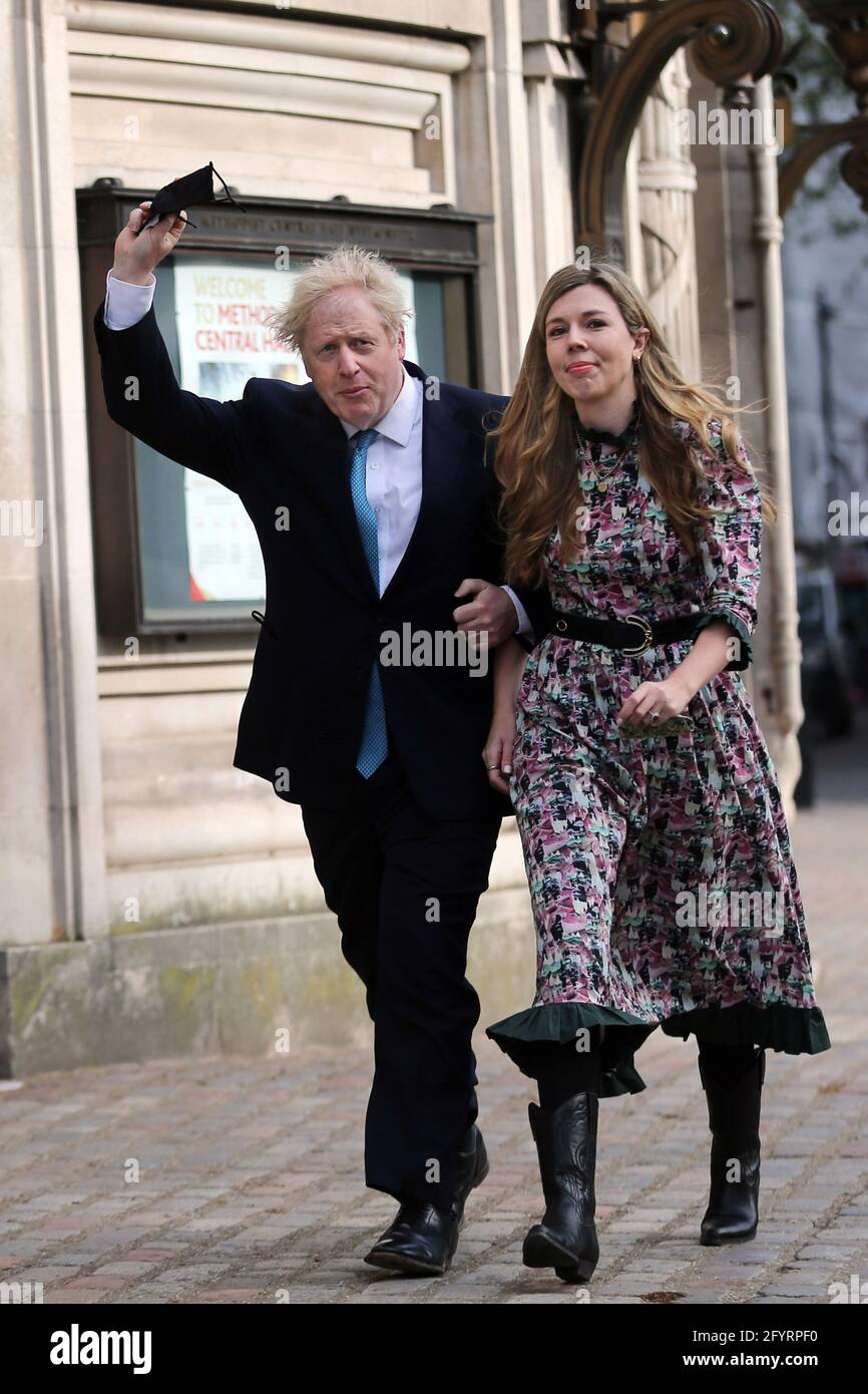 London, UK. 29th May, 2021. British Prime Minister BORIS JOHNSON got married to fiancée CARRIE SYMONDS in a private ceremony at Westminster Cathedral. FILE PHOTO SHOT: May 6, 2021, London, England, United Kingdom: UK Prime Minister BORIS JOHNSON and his fiancee CARRIE SYMONDS after voting in Super Thursday elections in Westminster. Credit: Tayfun Salci/ZUMA Wire/Alamy Live News Stock Photo