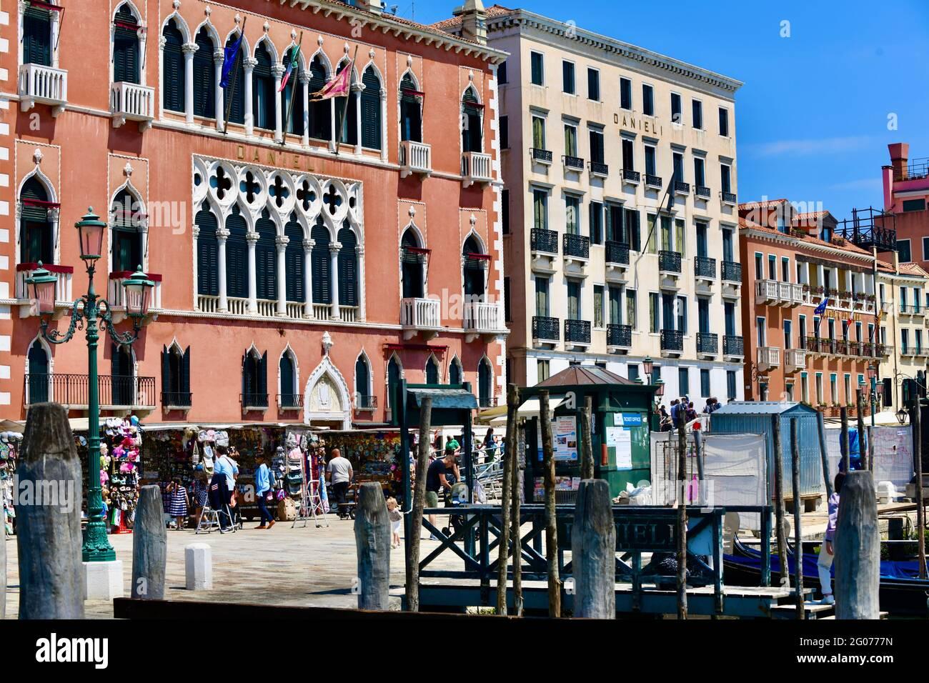 typische Häuserzeilen in Venedig Stock Photo