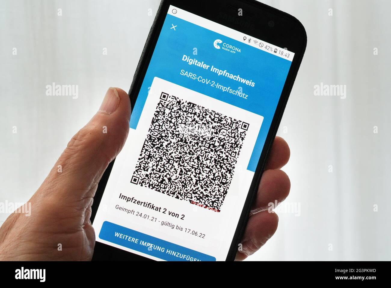 Page 2 Qr Code App High Resolution Stock Photography And Images Alamy