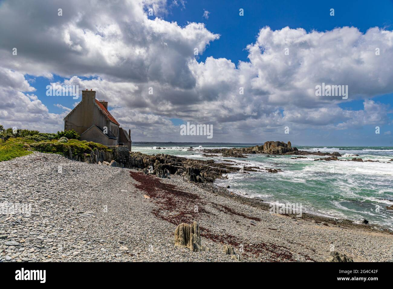 Turbulent sea in Pointe de Sehar, Tredrez-Locquemeau, Cotes d'Armor, Brittany, France Stock Photo