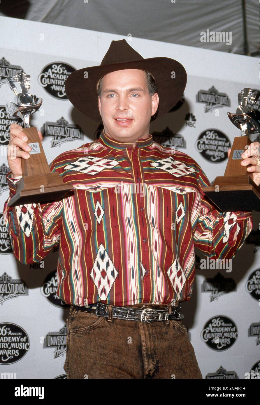 Garth Brooks at the 26th Annual Academy of Country Music Awards at Universal Ampitheater in Universal City, California April 24, 1991 Credit: Ralph Dominguez/MediaPunch Stock Photo