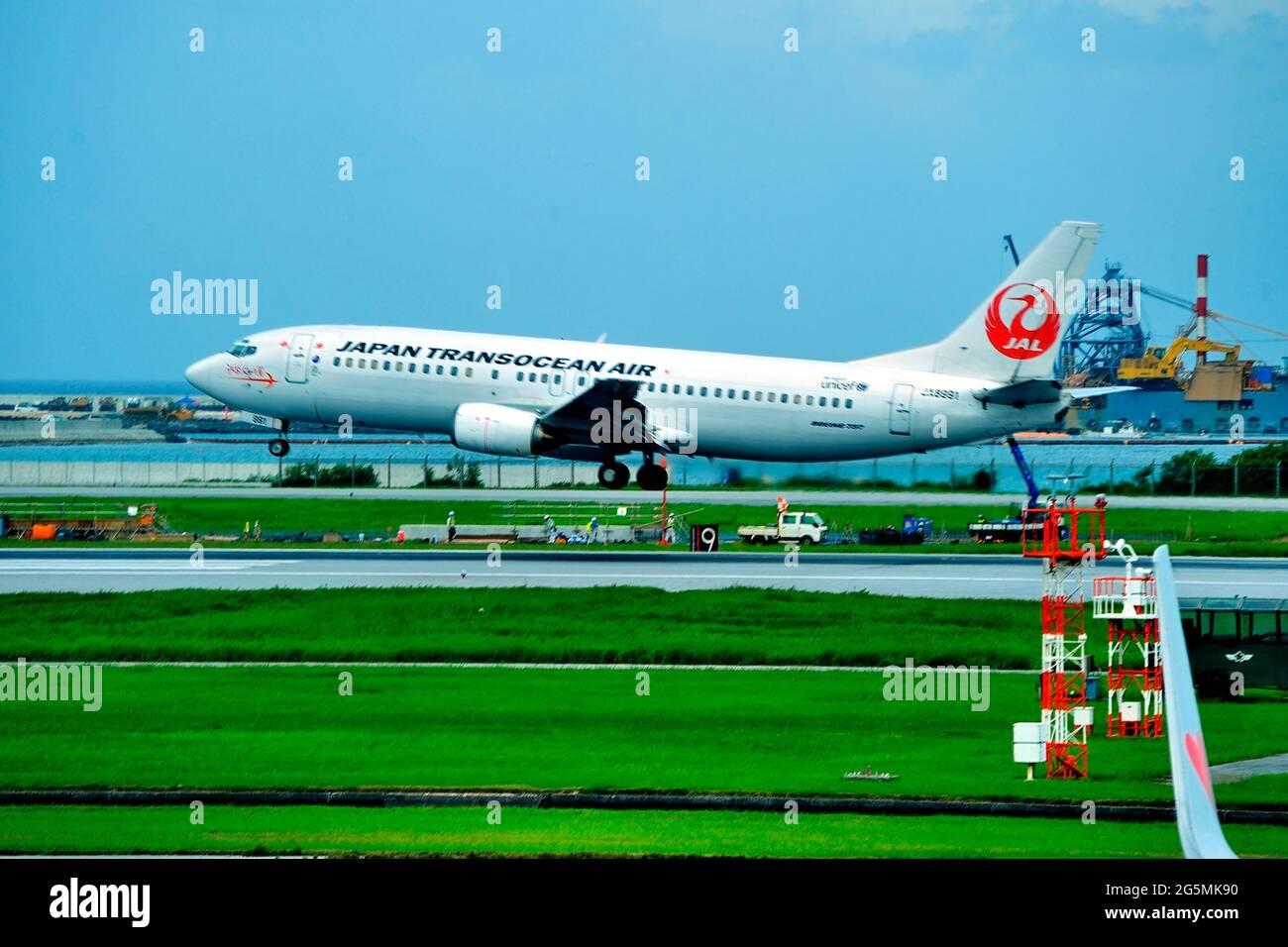 Japan Transocean Air, JTA, Boeing B-737/400, JA8991, Landing,  Naha Airport, Naha, Okinawa, Ryukyu Islands, Japan Stock Photo