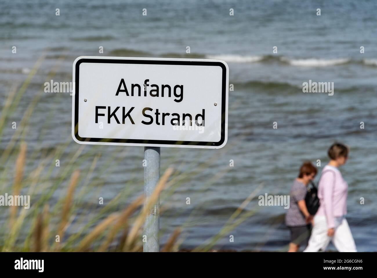 Fkk strand video nackt am Am Meisten