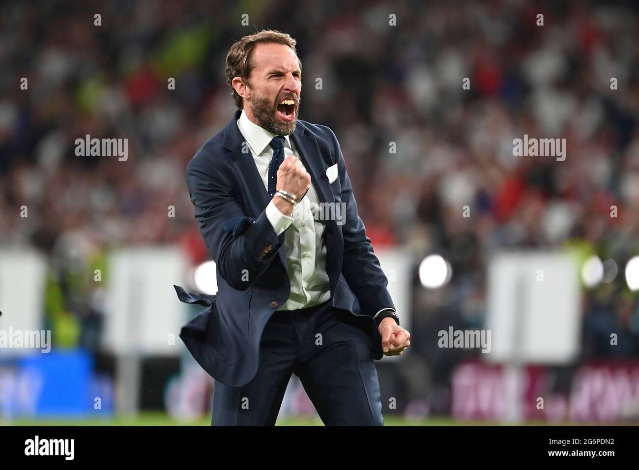 final jubilation Gareth SOUTHGATE (coach ENG), jubilation, joy, enthusiasm, single image, trimmed single motif, half figure, half figure. Semi-final, game M50, England (ENG) - Denmark (DEN) 2-1 nV on 07.07.2021 in London/Wembley Stadium. Football EM 2020 from 06/11/2021 to 07/11/2021. Stock Photo