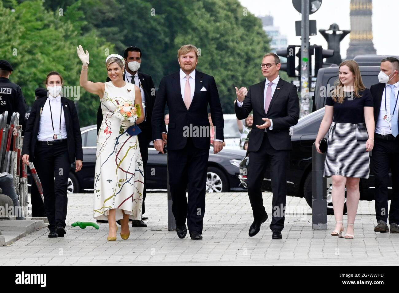 Queen Maxima, King Willem-Alexander of The Netherlands and Michael Mueller visit the Brandenburger Tor on July 5, 2021 in Berlin, Germany. Stock Photo
