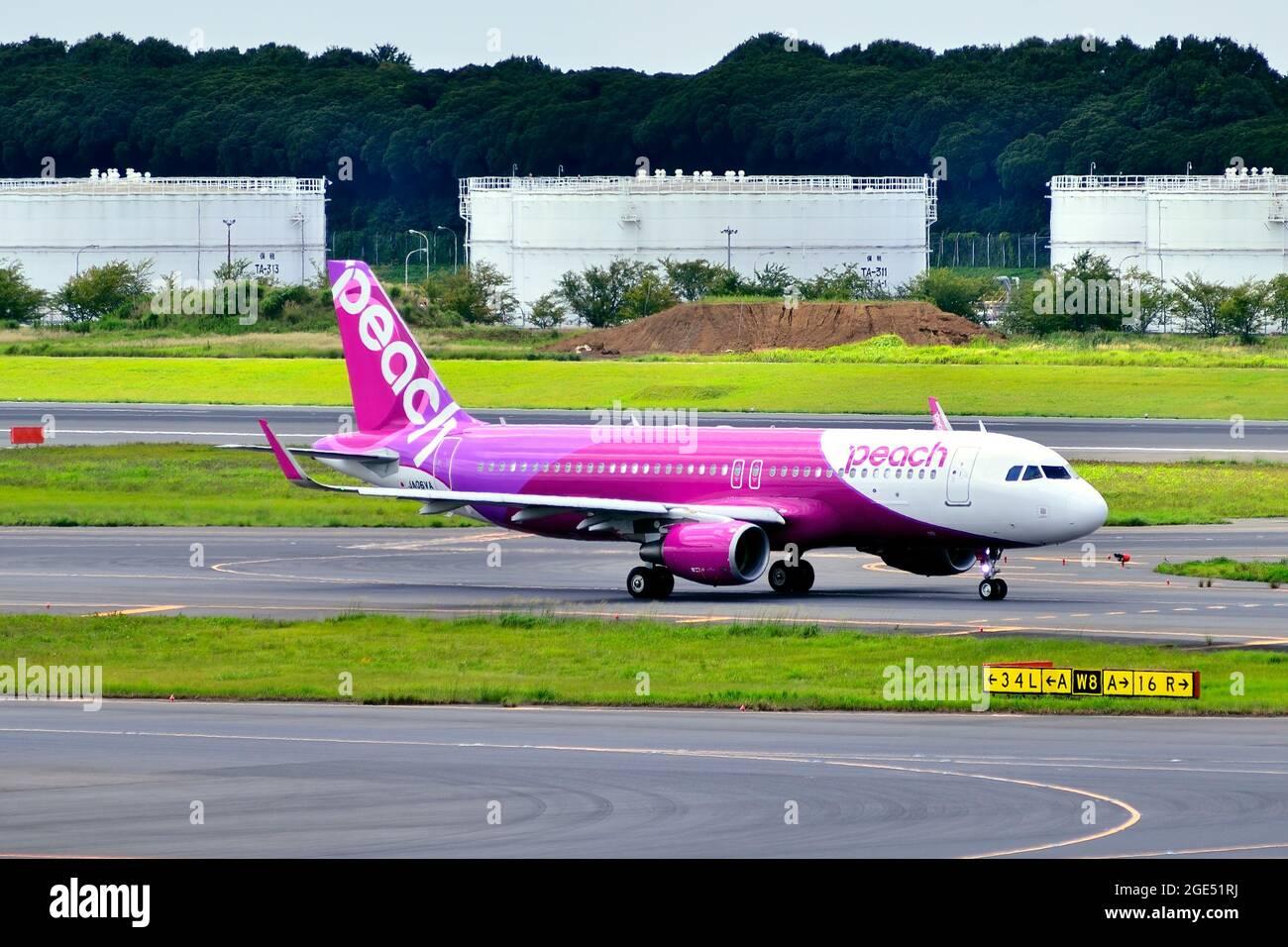 Peach Aviation, Airbus, A320 CEO, WL, JA06VA, Taxi to TO, Tokyo Narita Airport, Chiba, Japan Stock Photo
