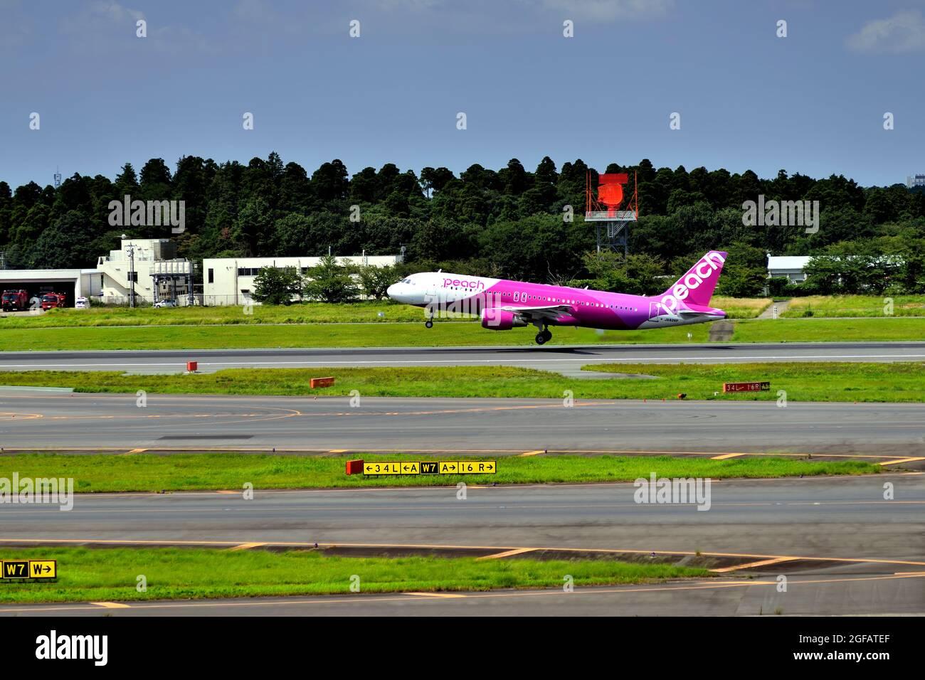 Peach, Airbus, A320, JA862P, Take Off, Climbing,Tokyo Narita Airport, Chiba, Japan Stock Photo