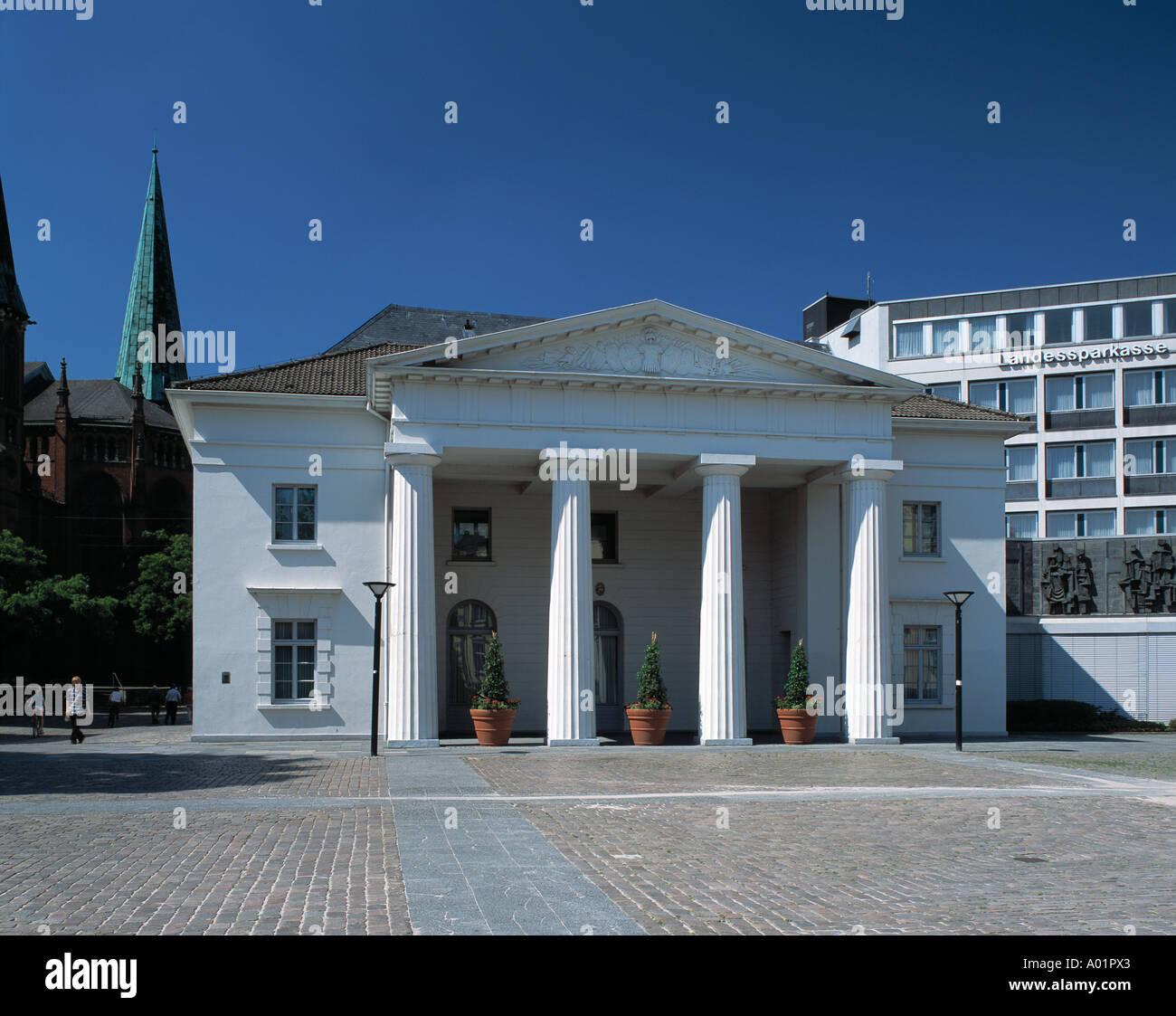 klassizistische Schlosswache, Oldenburg, Ammerland, Niedersachsen Stock Photo