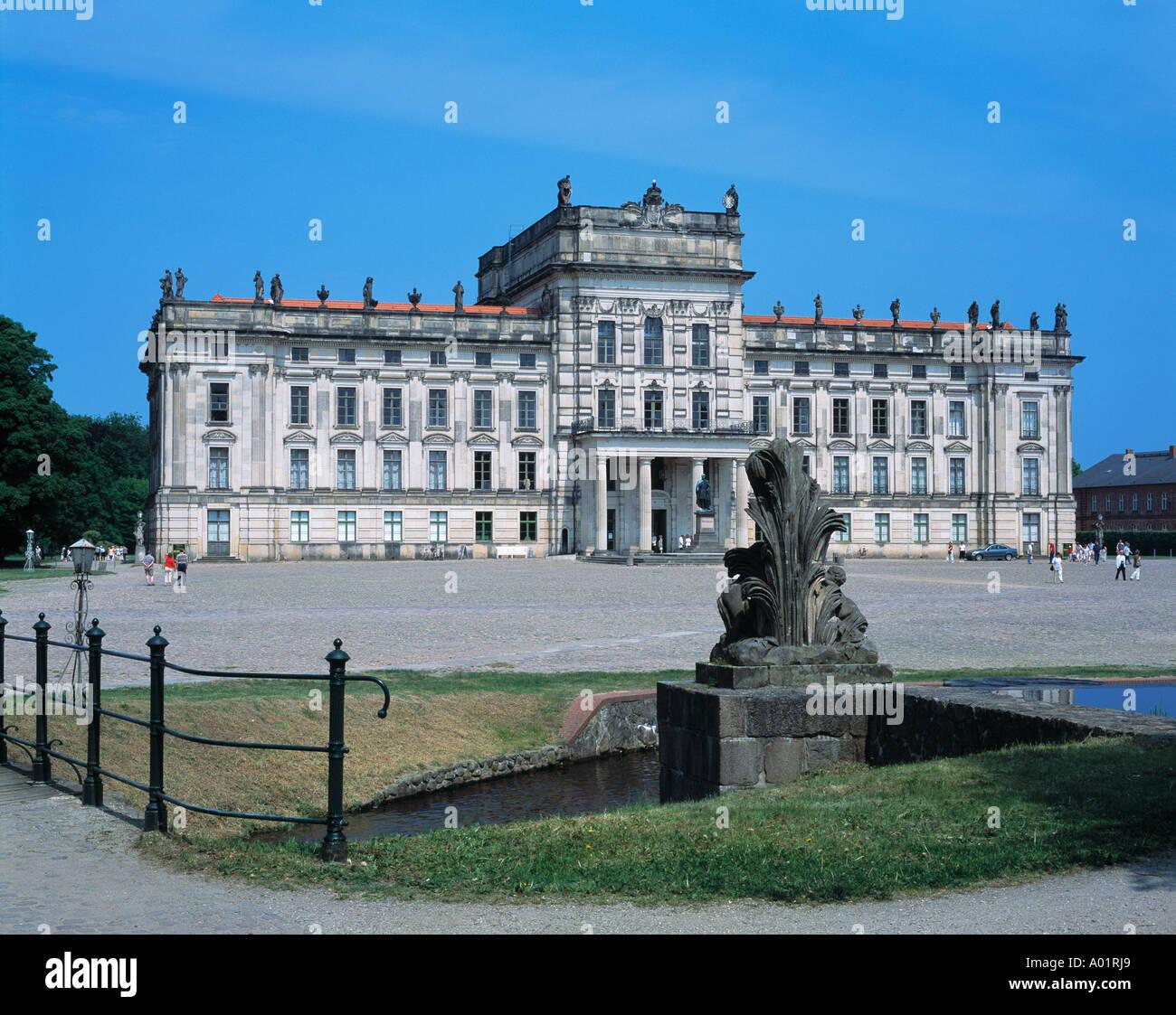 Barockschloss, Residenzschloss, Schlossplatz, Am Basin, Ludwigslust, Griese Gegend, Mecklenburg-Vorpommern Stock Photo
