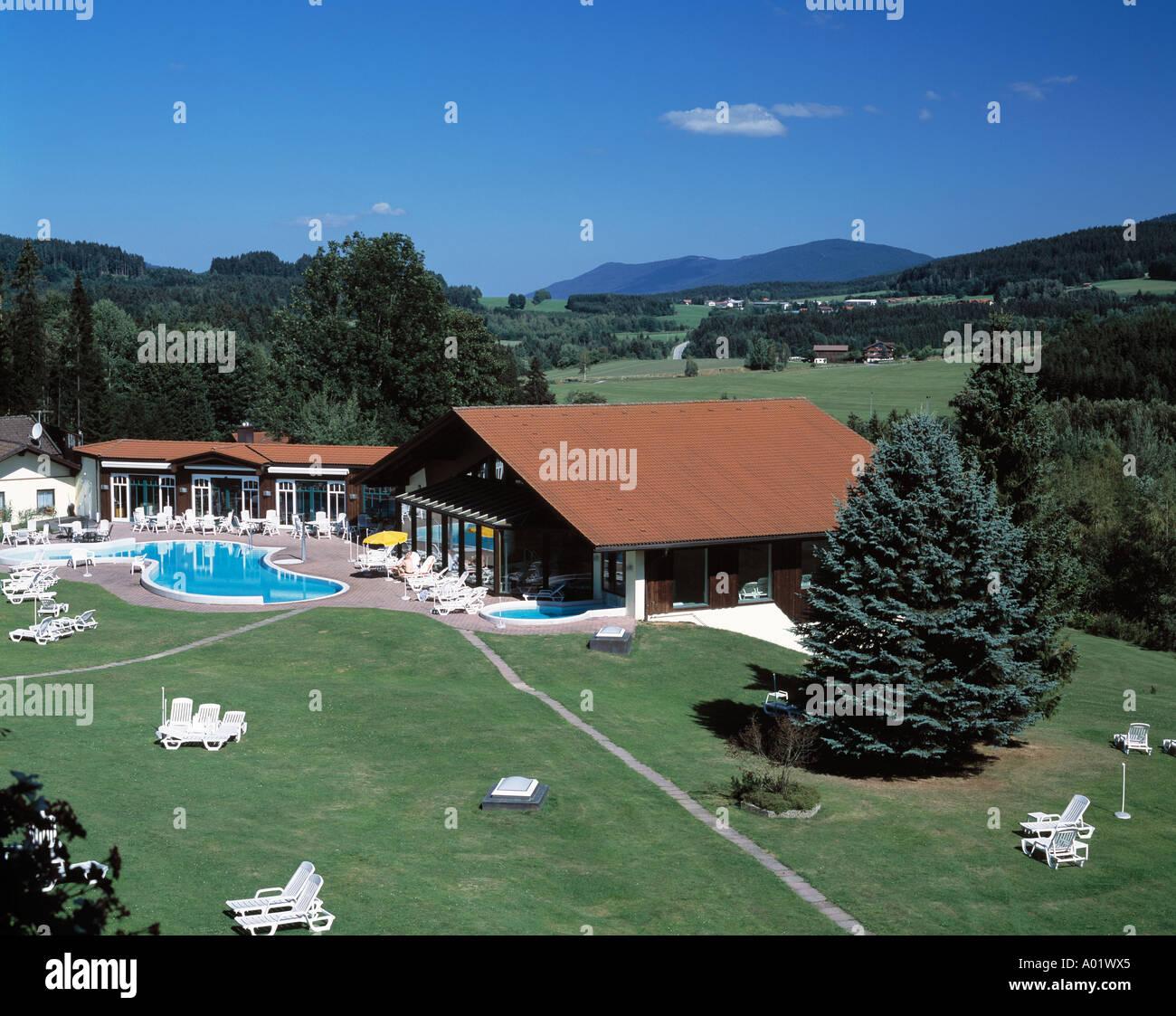 Hotelgelaende Hotel Riederin Schwimmhalle Schwimmbad Swimming