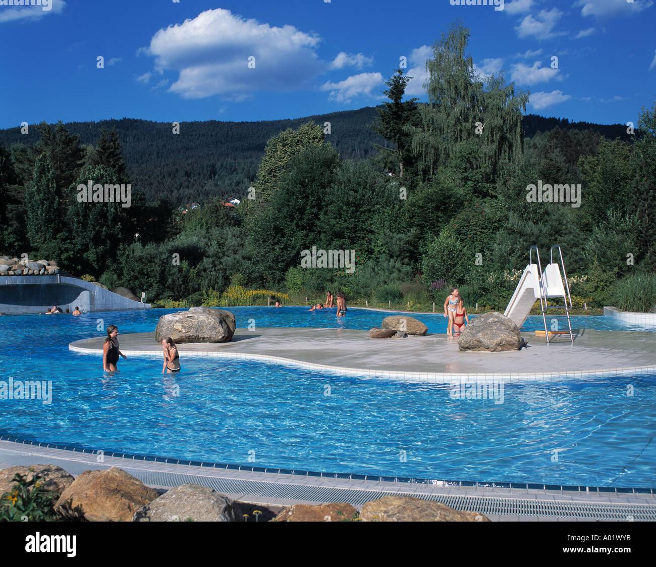 Kurparkbad Badeanstalt In Einer Waldlandschaft Freibad Schwimmbad