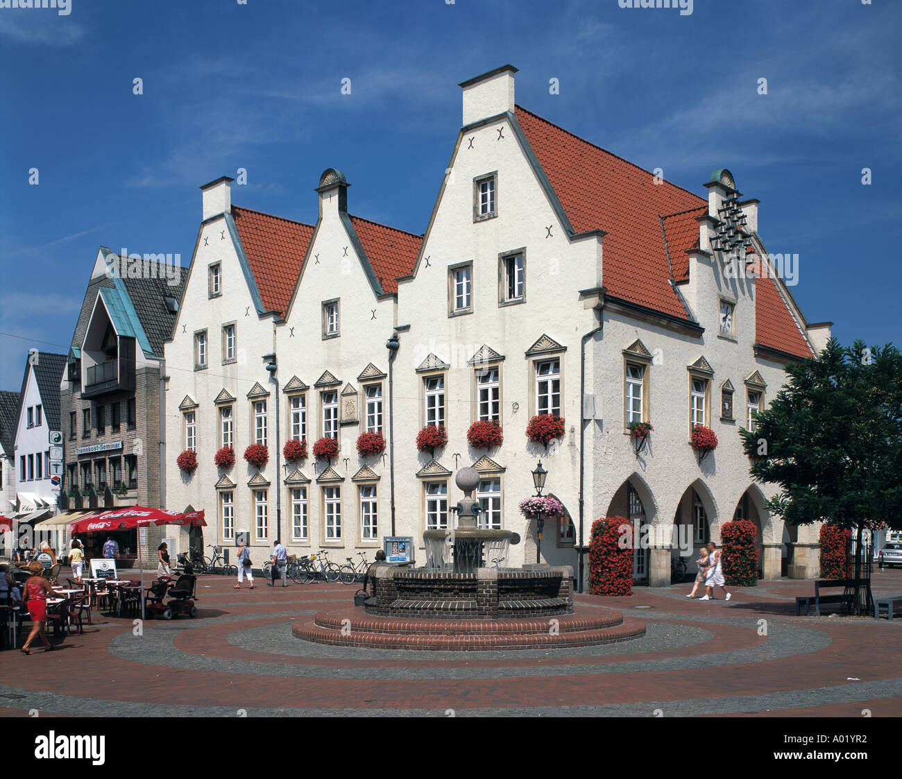 marktplatz mit rathaus und marktbrunnen in haltern am see lippe stock photo 5630385 alamy. Black Bedroom Furniture Sets. Home Design Ideas